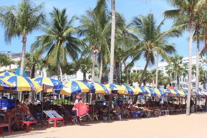 เมืองพัทยาออกประกาศขอความร่วมมือ ให้ผู้ประกอบการร่มเตียง ชายหาดจอมเทียน หยุดประกอบกิจการทุกวันพุธและวันพฤหัสบดี เพื่อปรับปรุงพื้นที่