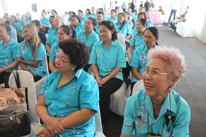 กลุ่มพัฒนาสตรีเมืองพัทยา หน่วยงานที่เกี่ยวข้องเข้าร่วมกว่า 100 คน