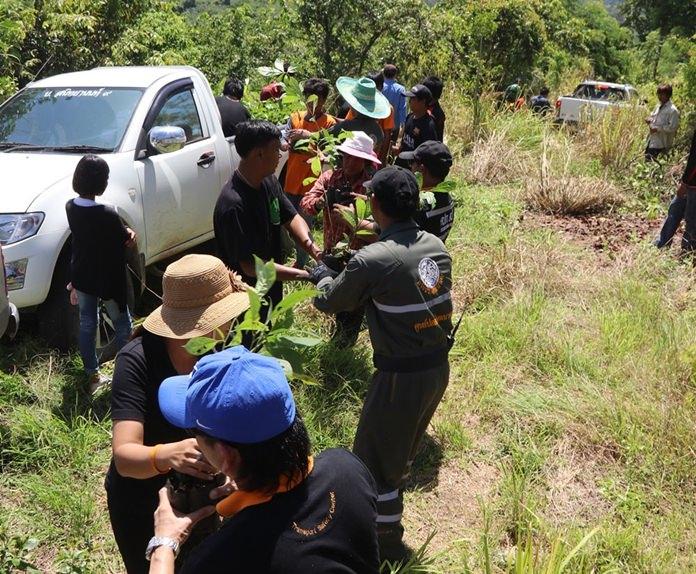 กลุ่มจิตอาสาร่วมกับสำนักสงฆ์เมืองจันทน์สุดา จัดกิจกรรมปลูกป่าเฉลิมพระเกียรติ แม่ของแผ่นดิน ปีที่ 5