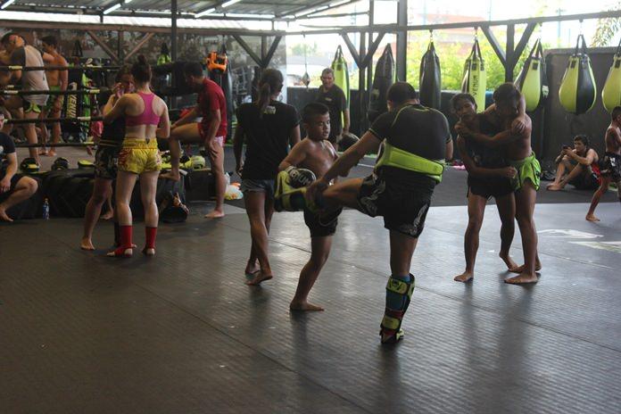 การส่งเสริมกีฬามวยไทยแก่เยาวชนในชุมชน