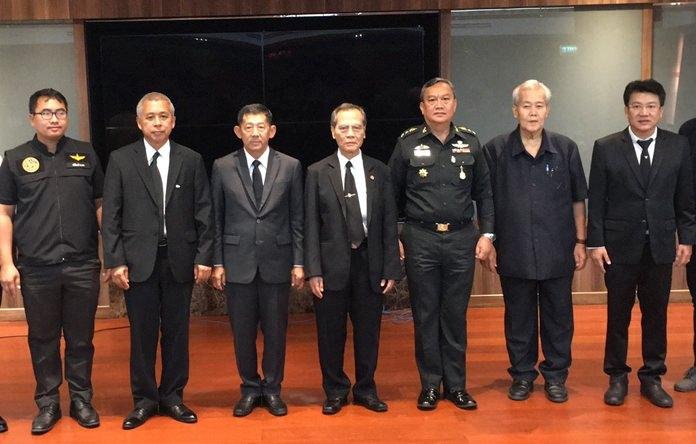 นายขจัดภัย บุรุษพัฒน์ นายกสมาคมความมั่นคงความปลอดภัยแห่งประเทศไทย พล.ต.ต.อนันต์ เจริญชาศรี นายกเมืองพัทยา ร่วมเครือข่าย กอ.รมน.จัดประชุมโครงการพัฒนาเครือข่ายมวลชนเฝ้าระวัง ติดตาม ตรวจสอบสถานการณ์ก่อการร้ายและอาชญากรรมข้ามชาติ ในพื้นที่พัทยา