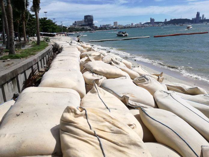 เมืองพัทยาขอเวลา 2 สัปดาห์ ในการปรับสภาพภูมิทัศน์ ชายหาดพัทยากลาง โดยการรื้อในส่วนที่รกร้างสร้างความเสื่อมโทรมออกไปก่อน จนกว่าจะมีแนวทางการแก้ไขระยะยาวในขั้นตอนต่อไป