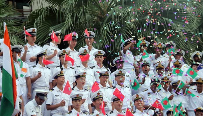 กองทัพทหารเรือจากจีนและบังคลาเทศ