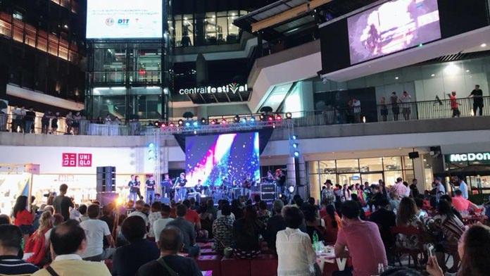 งาน Pattaya International Gospel Music Festival 2018 มีศิลปินจากหลากหลายประเทศทั่วโลก กว่า 13 วง เข้าร่วมแสดงดนตรี ดึงดูดนักท่องเที่ยว กระตุ้นเศรษฐกิจเมืองพัทยา