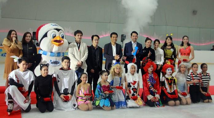 นายอิทธิพล คุณปลื้ม ผู้ช่วยรัฐมนตรีว่าการกระทรวงการท่องเที่ยวและกีฬา เป็นประธานกล่าวเปิดการแข่งขัน พร้อม Mr.Harry Janto Leo president of  Ice Skating  Institute Asia และ Mr.Alex Yueng Ice Skating  Institute Referee  และคณะผู้บริหารศูนย์การค้าฮาร์เบอร์ พัทยา  และเดอะริงค์ ไอซ์ อารีน่า  เข้าร่วมเปิดงาน