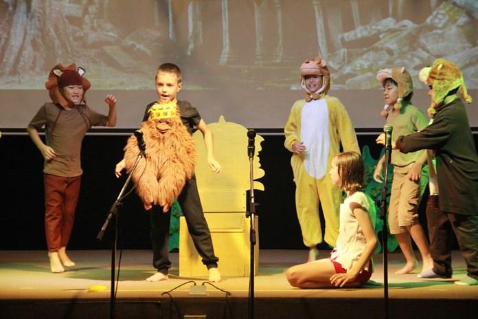 """จัดงาน Open Day Fair เปิดโอกาสให้เด็กได้แสดงความสามารถแสดงละครเวที """"เมาคลี  ลูกหมาป่า"""""""