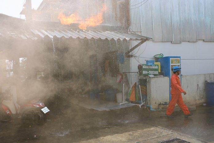 ทม.หนองปรือ จัดซ้อมสถานการณ์ผจญเพลิงไหม้ แบบสมจริง เพื่อเตรียมพร้อมการปฏิบัติงาน