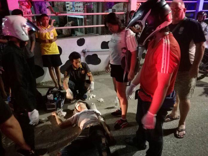 อุบัติเหตุรถจักรยานยนต์ ชนคนเดินข้ามถนน บาดเจ็บสาหัสทั้ง 2 ฝ่าย