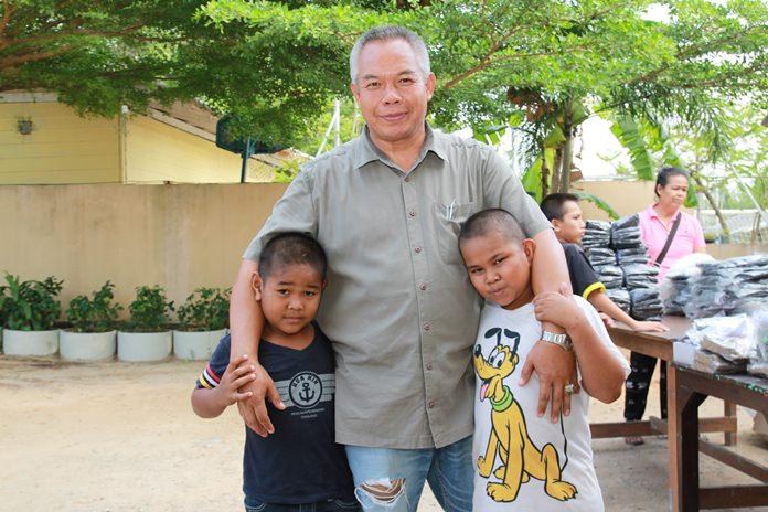 ความรักที่เด็กมีให้กับ นายพลิศร โนจา โดยเด็กๆจะเรียกครูจา ว่าพ่อ