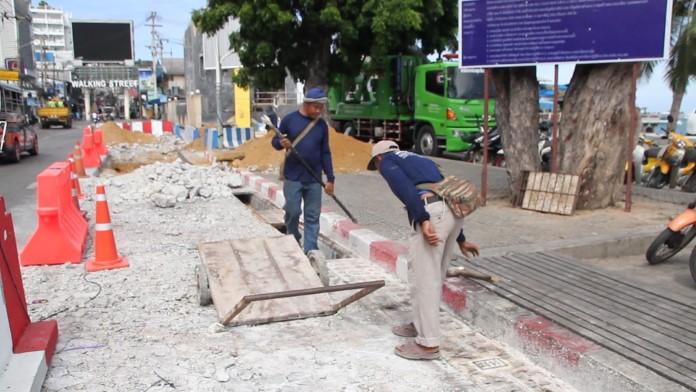 เริ่มแล้ว! ปิดผิวจราจร ถนนสายชายหาด ฝั่งพัทยาใต้  ก่อสร้างระบบป้องกันน้ำท่วมชายหาด
