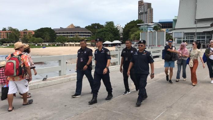 ผลพวงระเบิด กทม. ตำรวจท่องเที่ยวพัทยาเข้มท่าเรือแหลมบาลีฮาย ป้องกันเหตุนักท่องเที่ยว