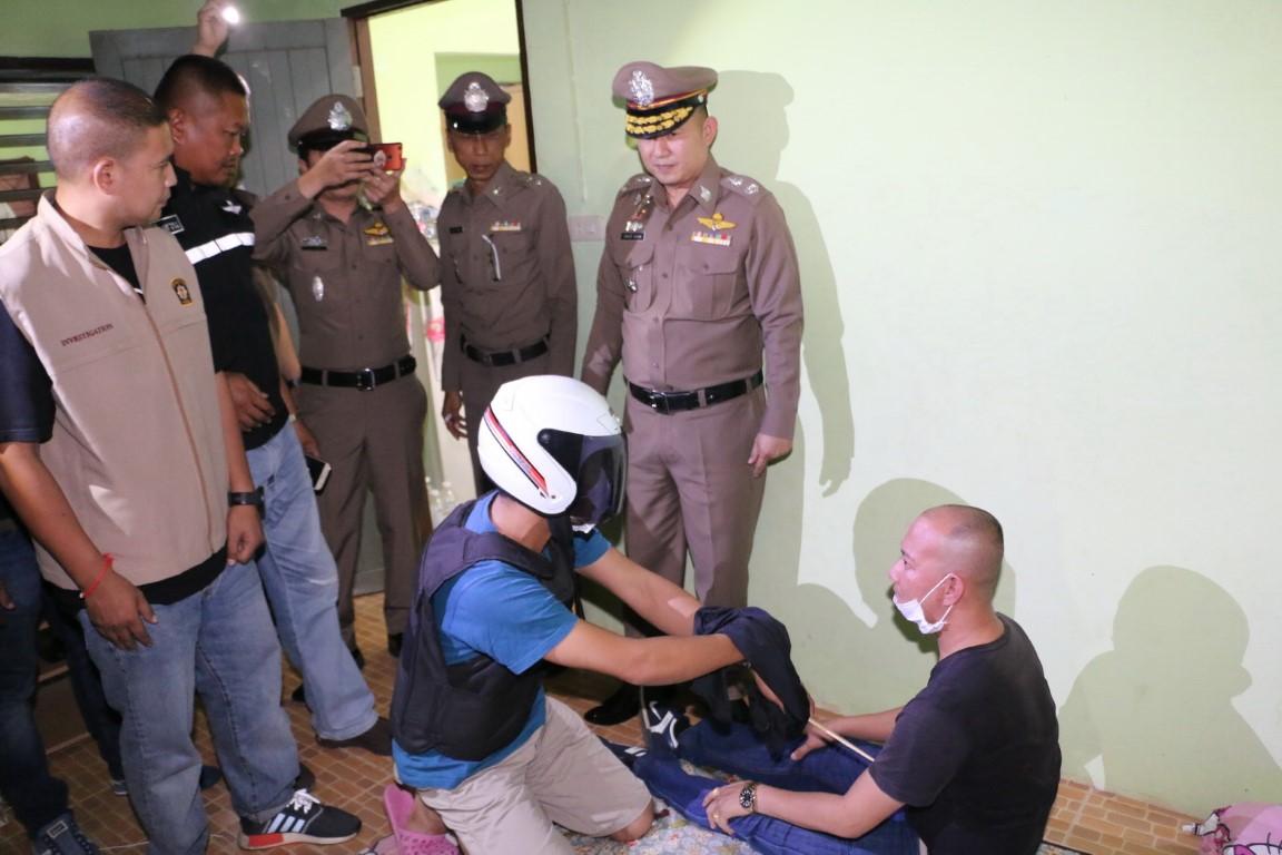 ผู้การชลบุรี หิ้วหนุ่มขอนแก่น ทำแผนหึงฆ่าโหดกระหน่ำแทงกิ๊กสาว 30 แผล