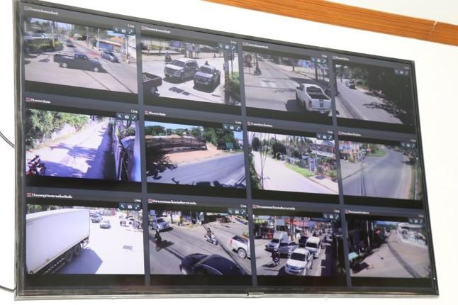 เทศบาลเมืองหนองปรือ เปิดศูนย์ควบคุมระบบกล้องโทรทัศน์วงจรปิดเพื่อเฝ้าระวังเหตุ