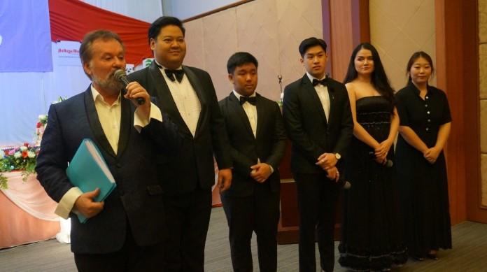 คอนเสิร์ตการกุศล Grand Opera หารายได้ช่วยเหลือมูลนิธิ HHN เพื่อเด็กไทย