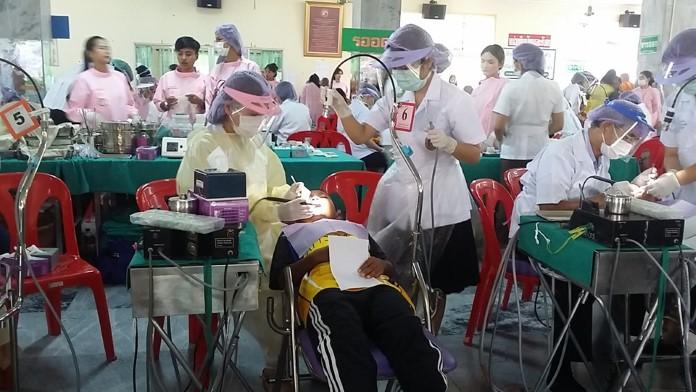 โรงพยาบาลวัดญาณสังวราราม ตรวจรักษาทางทันตกรรมแก่เด็กมูลนิธิ HHN เพื่อเด็กไทย