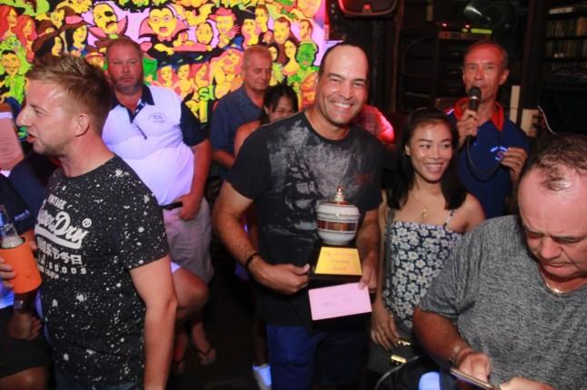 พิธีมอบรางวัลการแข่งขันกอล์ฟ ในรายการ TQ Masters หารายได้ช่วยสังคม