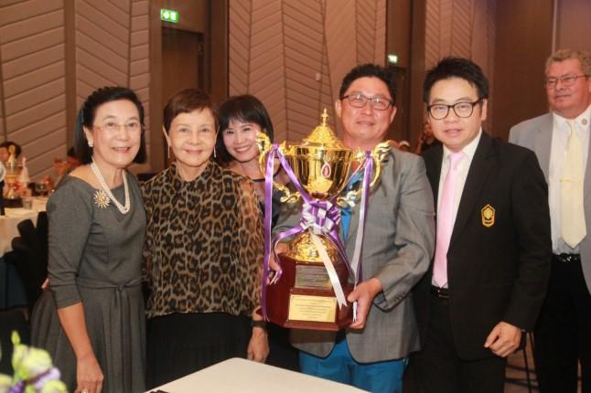 พิธีมอบถ้วยรางวัลการแข่งขันกอล์ฟการกุศล Rotary Club Phoenix Pattaya ครั้งที่ 1 ชิงถ้วยพระราชทานฯ