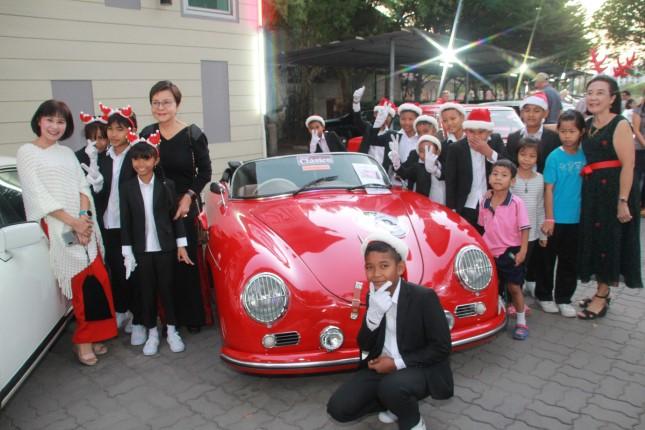 เปิดงานคริสต์มาส คลาสสิคคาร์ พัทยา ครั้งที่ 1 หารายได้ช่วยเหลือเด็กมูลนิธิ HHN เพื่อเด็กไทย