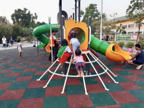 เทศบาลเมืองหนองปรือ เปิดสนามเด็กเล่น สวนสาธารณะเฉลิมพระเกียรติฯ