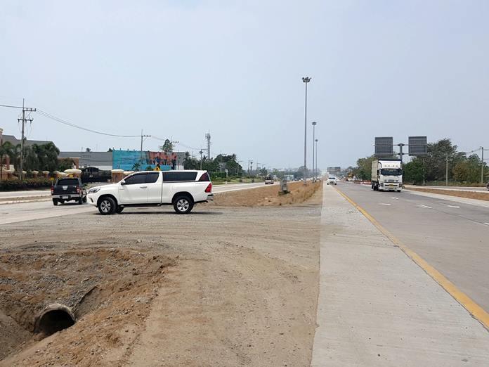 ชาวบ้านร้องเรียน จุดกลับรถถนนสาย 36 ชลบุรี-ระยอง อันตรายไร้ป้ายและไฟส่องสว่าง